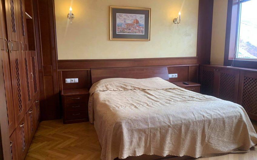 Апартамент в сърцето на София – бул. Витоша пешеходна зона