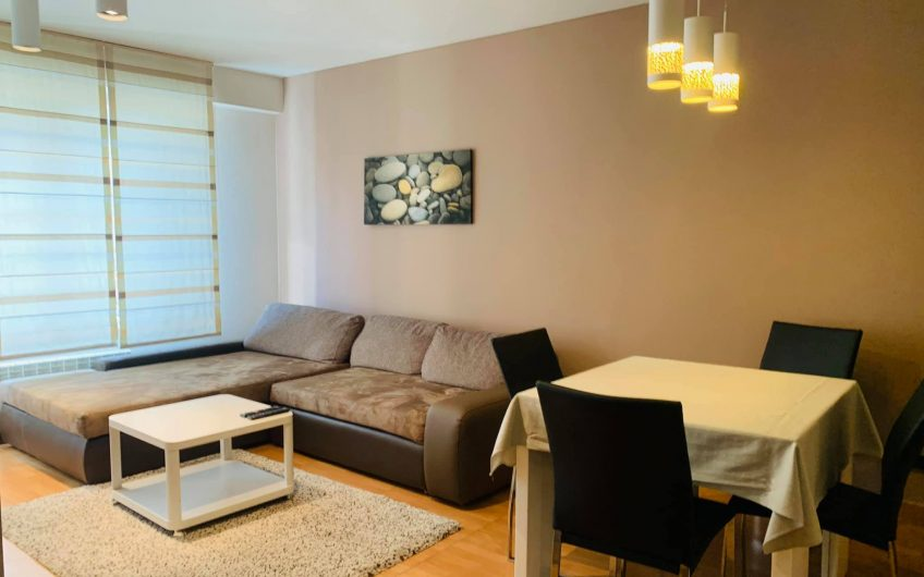 Стилен апартамент с две спални на ул. 21 Век