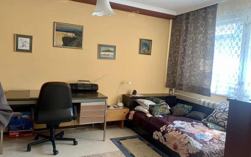 Голям Едностаен Апартамент в кв. Борово